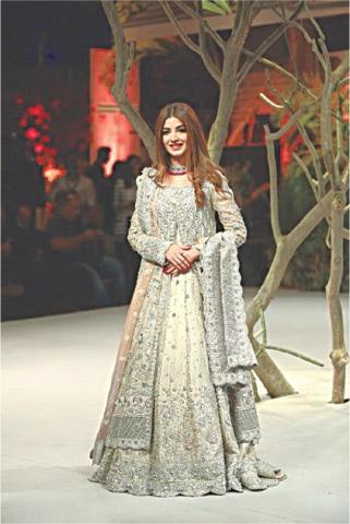 Kinza Hashmi for Sana Abbas