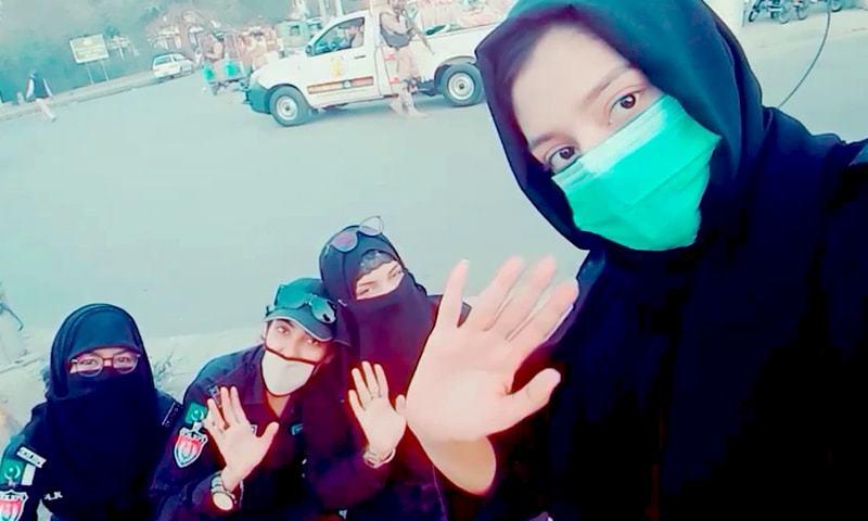 'پاوری ہورہی ہے' کی ٹک ٹاک ویڈیو بنانے پر 3 خواتین پولیس کانسٹیبلز معطل