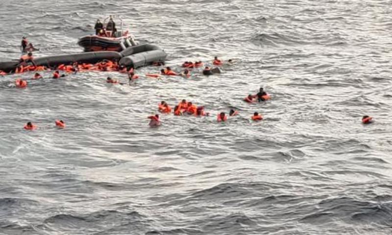 تیونس کے حکام کے مطابق 165 افراد کو بچالیا گیا ہے — فائل/فوٹو: رائٹرز