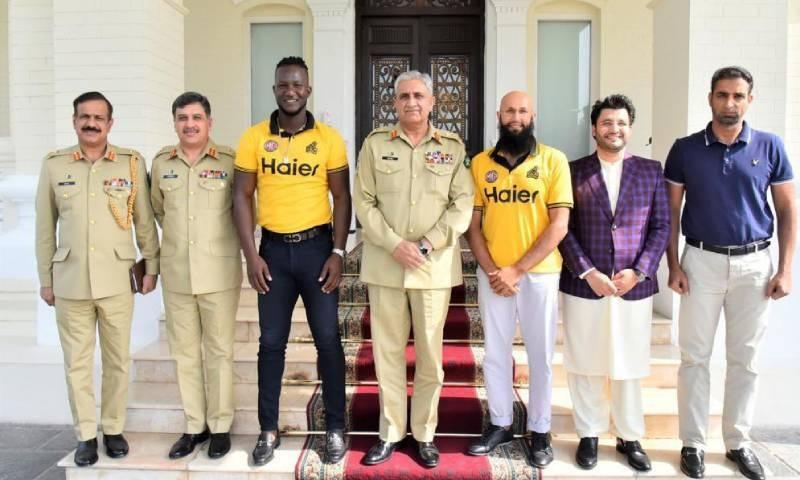 آرمی چیف نے پاکستان سپر لیگ کی کامیابی اور ترقی پر کرکٹرز کو مبارکباد دی— فوٹو: نوید صدیقی