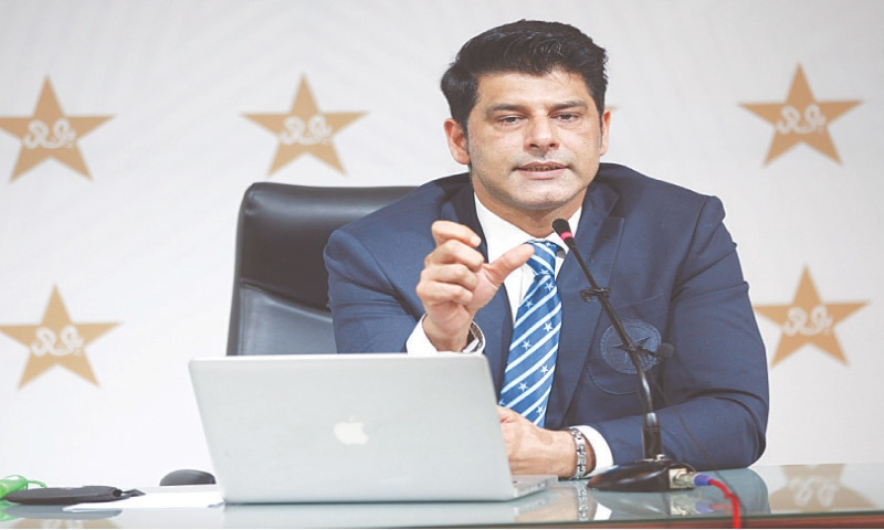 LAHORE: Pakistan chief selector Mohammad Wasim gestures during a news conference at the Gaddafi Stadium on Friday.—M. Arif/White Star