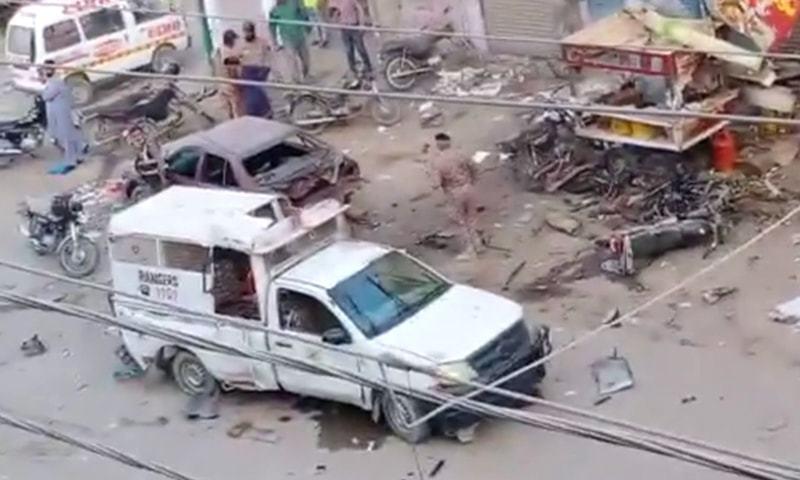 کراچی: اورنگی ٹاؤن میں رینجرز کی گاڑی کے قریب دھماکا، ایک اہلکار شہید، 10 افراد زخمی