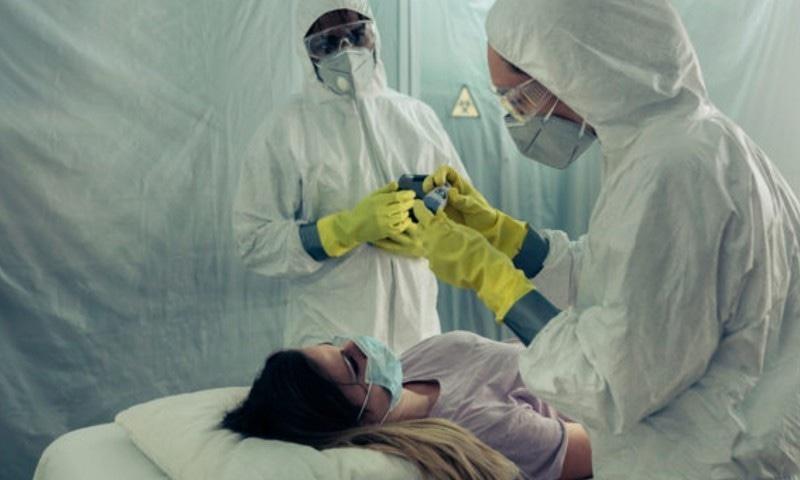 کووڈ 19 سے کن افراد کو سنگین بیماری اور موت کا خطرہ زیادہ ہوتا ہے؟