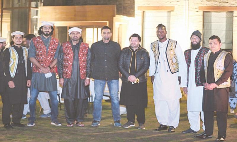 MALAM JABBA: Peshawar Zalmi coach Darren Sammy, mentor Hashim Amla, skipper Wahab Riaz, team owner Javed Afridi, wicket-keeper Kamran Akmal and others are seen during a visit at the famous ski resort.
