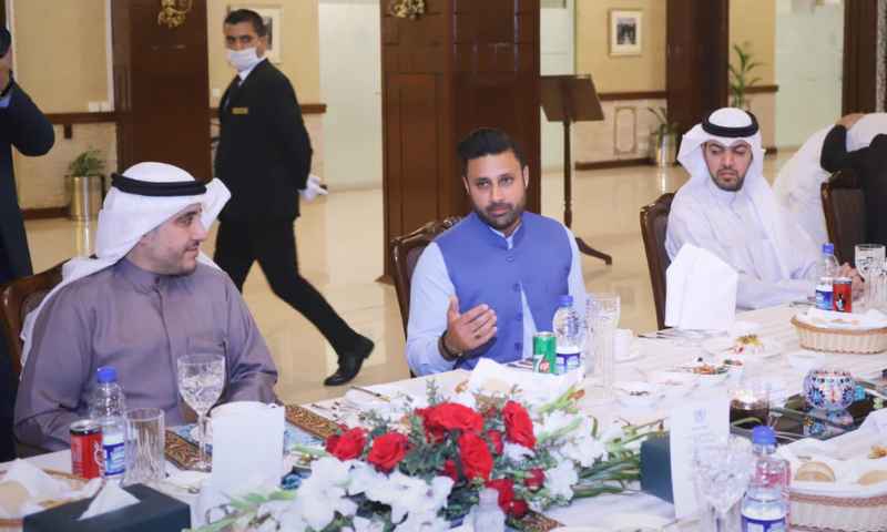 SAPM Zulfiqar Bukhari gestures in a meeting with Kuwaiti Foreign Affairs Minister Dr Ahmed Nasser Al-Mohammed Al-Sabah and other officials. — Photo courtesy SAPM Zulfiqar Bukhari's Twitter account