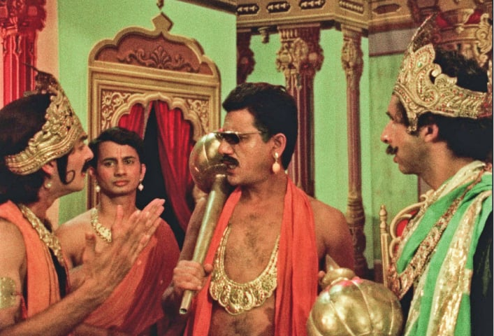 A still from the Mahabharat scene in Jaane Bhi Do Yaaro | Photo Screengrab Shemaroo