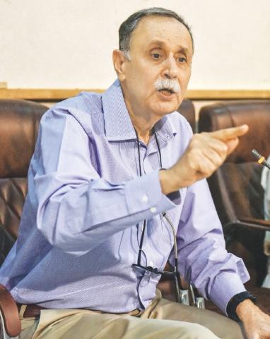 Naeem Sadiq speaks at the Press Club on Saturday. —White Star
