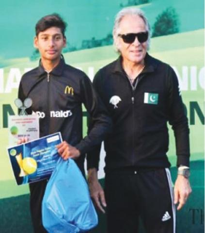 With proud coach Rashid Malik after winning the national U-14 championships