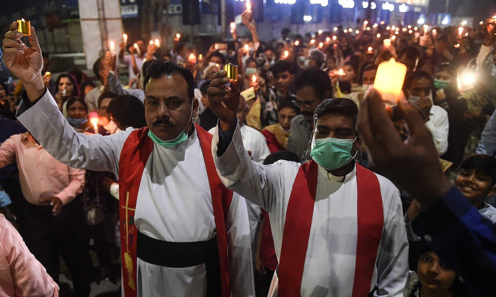 کراچی میں بھی مسیحی برادری نے بھرپور جوش و خروش کے ساتھ ایسٹر کی خوشی منائی —فوٹو:اے ایف پی