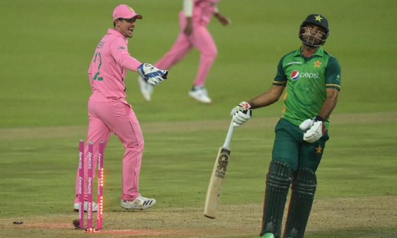 دھوکا دہی سے رن آؤٹ، پاکستان ٹیم مینجمنٹ نے میچ ریفری سے شکایت کردی