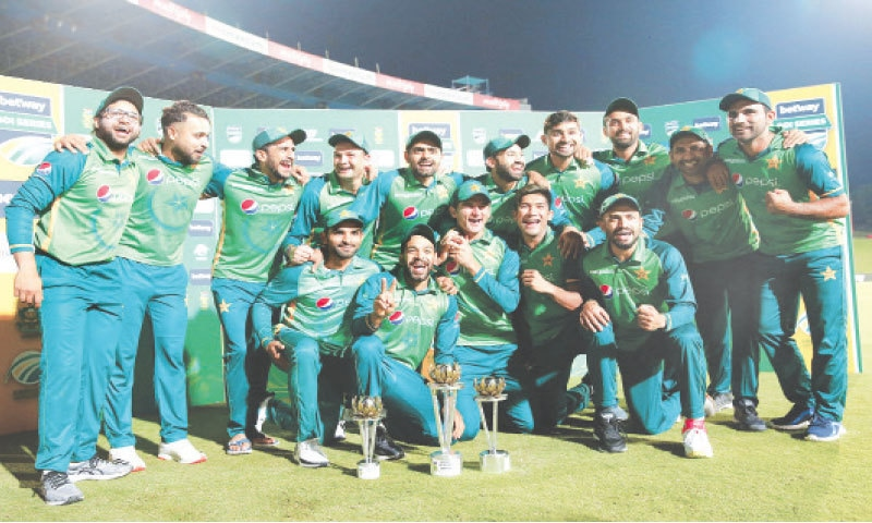 CENTURION: Pakistan players pose with the series trophy after the third One-day International against South Africa at SuperSport Park on Wednesday.—AFP