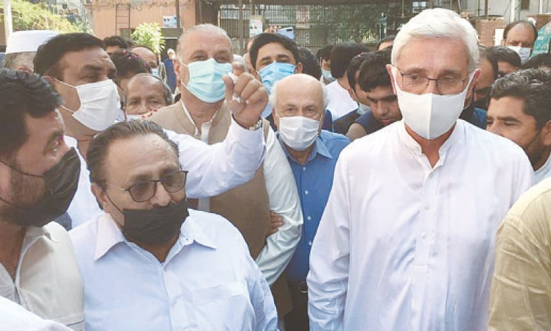 LAHORE: PTI's estranged leader Jahangir Khan Tareen arriving at the accountability court on Wednesday.—Online