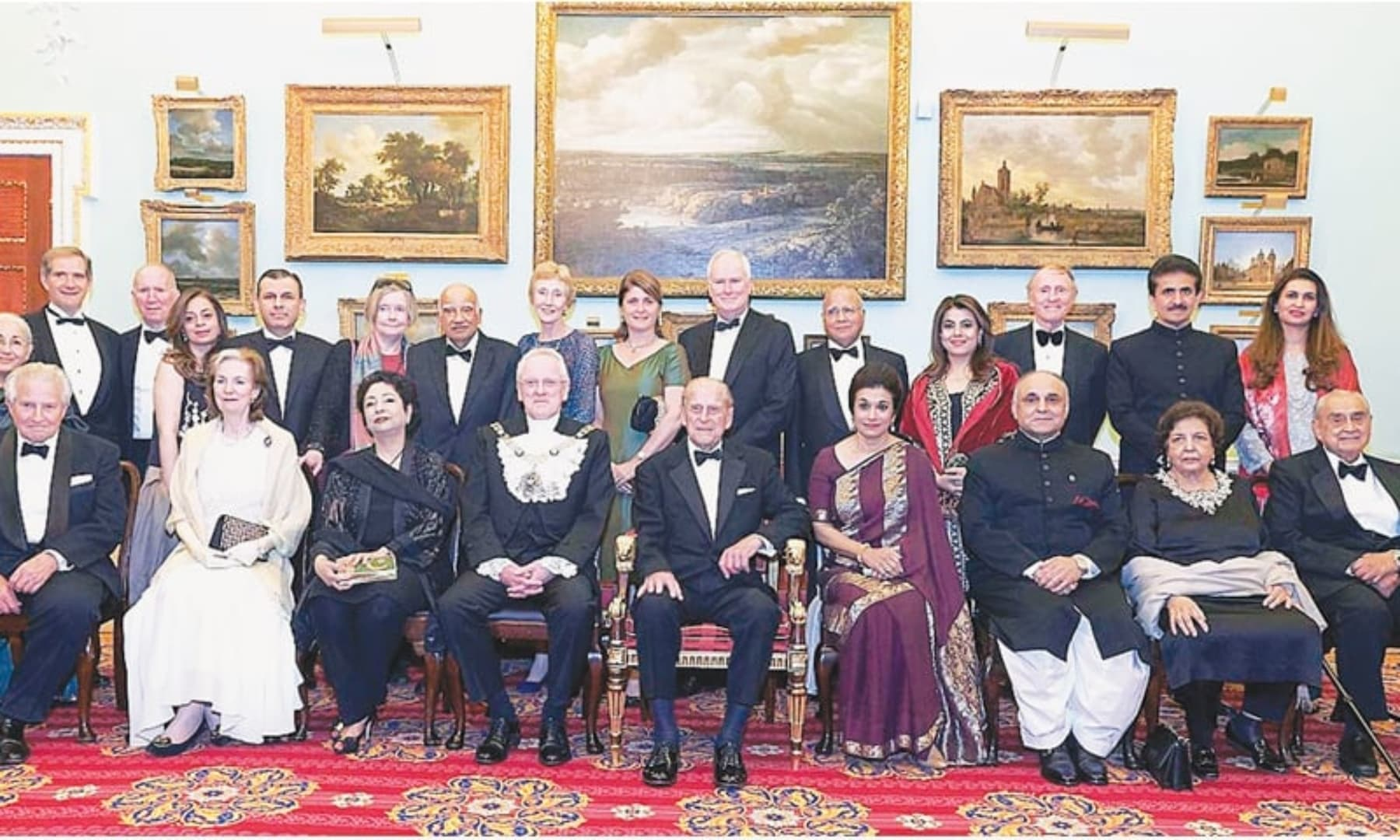 A group photograph of the Duke of Edinburgh, co-patron of the Pakistan Society, during a dinner marking the 70th anniversary of the founding of Pakistan and establishment of UK-Pakistan diplomatic relations at the Mansion House. — APP/File