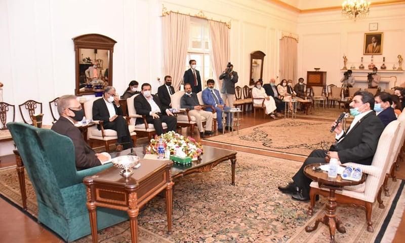 کراچی ایڈیٹرز کلب  نے کچھ دن پہلے صدر ڈاکٹر عارف علوی سے ملاقات کا اہتمام کیا— کے ای سی فیس بک پیج