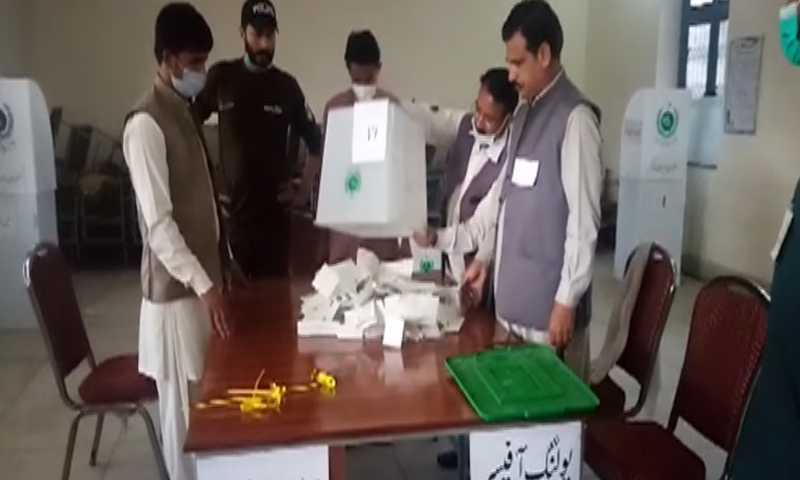 This photo shows the vote counting process during the re-poll in Daska. — DawnNewsTV/File