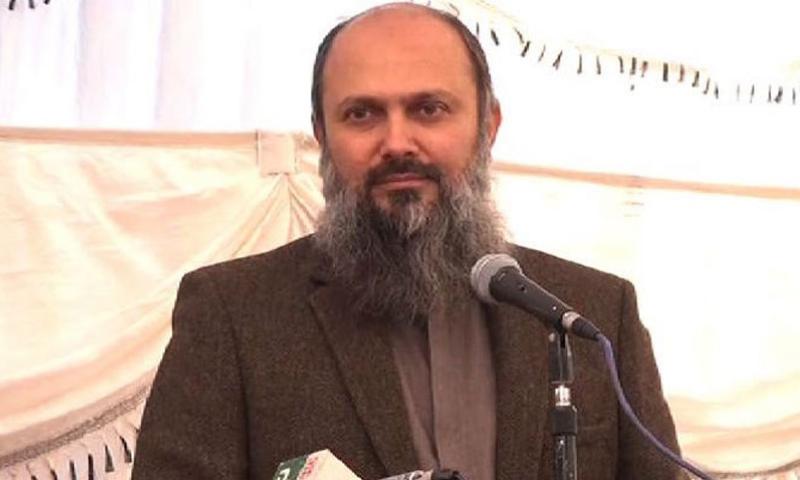 Balochistan Chief Minister Jam Kamal Khan Alyani addresses a crowd. — RadioPak/File