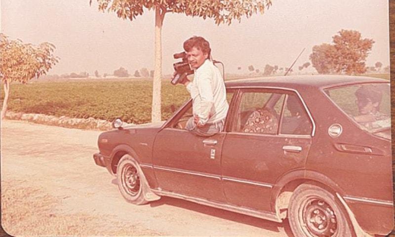 پی بی اپنے مخصوص کیمرے کے ساتھ