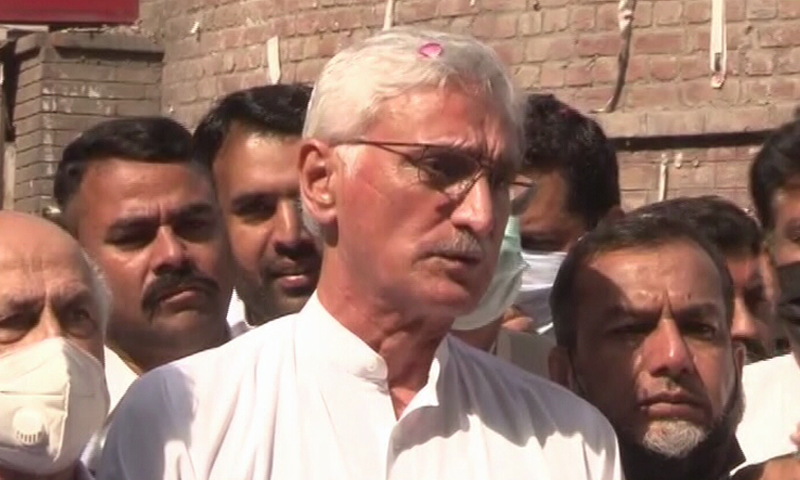 PTI's estranged leader Jahangir Khan Tareen speaks to the media outside the special court hearing banking offences case in Lahore on Saturday. — DawnNewsTV