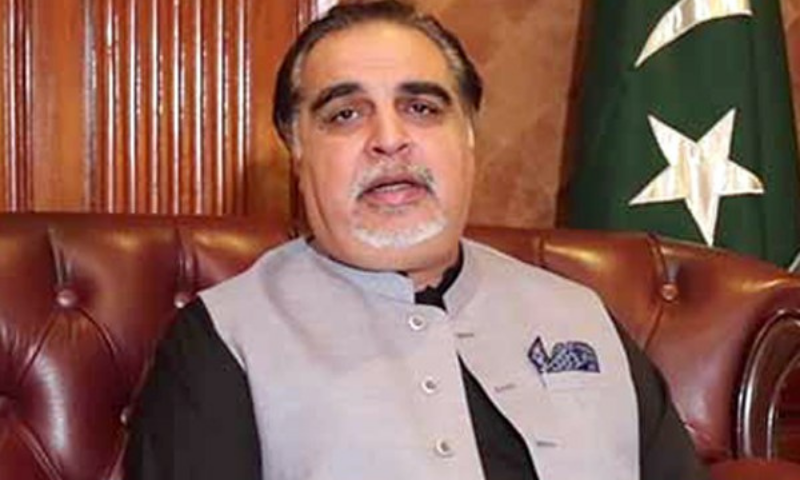 Sindh Governor Imran Ismail has said that providing a safe and peaceful environment to the people is the top-most responsibility of the provincial government. — APP/File