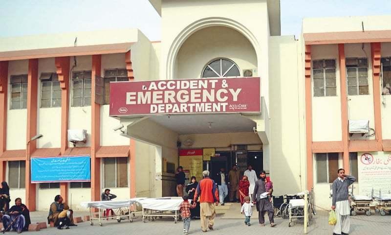 راولپنڈی: بینظیر بھٹو ہسپتال میں پولیس اہلکاروں اور ڈاکٹرز کے درمیان جھگڑا