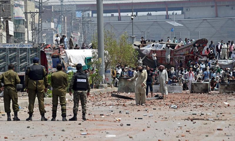 وزیر داخلہ نے بتایا کہ  مذاکرات حکومت پنجاب نے کیے ہیں — تصویر: اے ایف پی