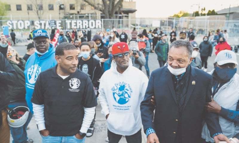 امریکا: نوجوان سیاہ فام کے قتل کے بعد پولیس میں اصلاحات کا مطالبہ