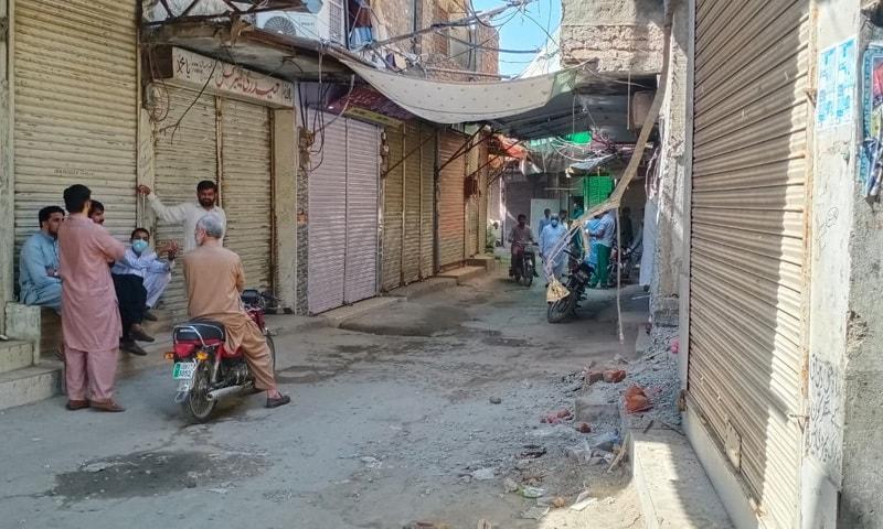 لاہور کی ایک مارکیٹ کا منظر—تصویر: عمران گبول