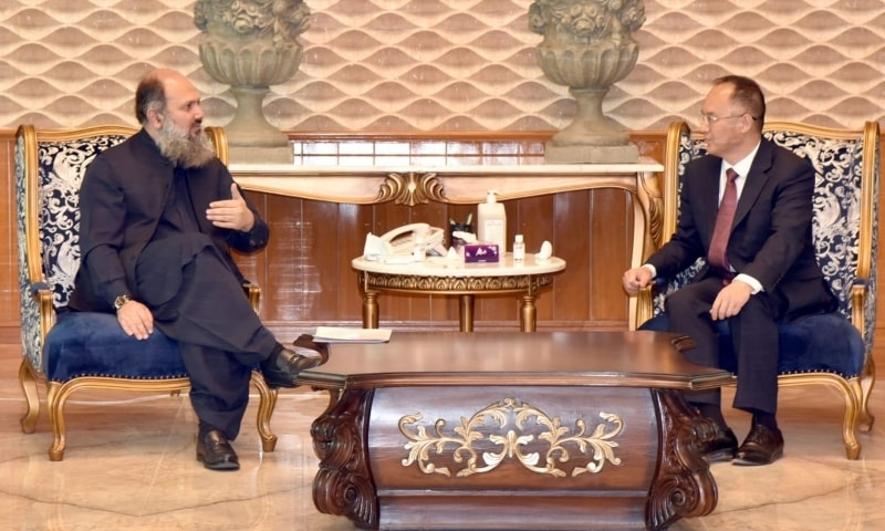 Chinese Amba­ss­ador Nong Rong (right) calls on Balochistan Chief Minister Jam Kamal Khan. — Photo courtesy: Twitter