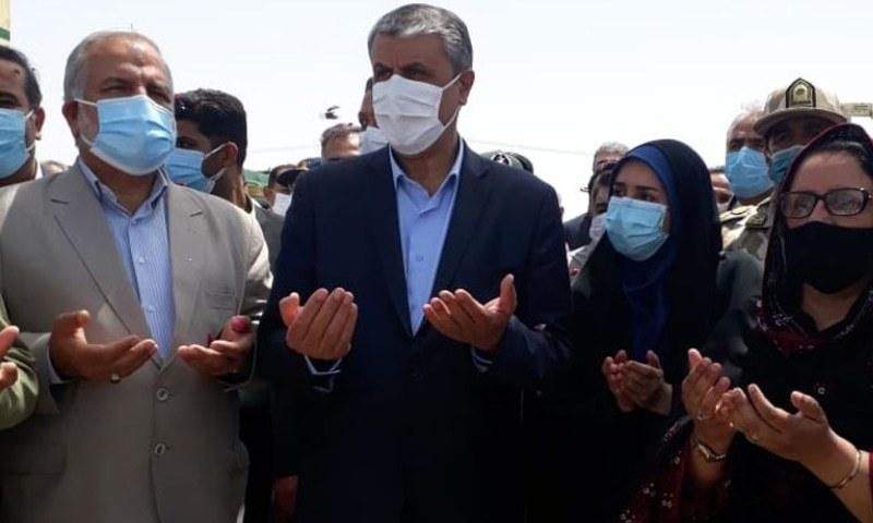 وزیر برائے دفاعی پیداوار زبیدہ جلیل اور ایران کے وزیر برائے مواصلات و شہری ترقی محمد اسلامی نے مشترکہ طور پر تیسرے بارڈر کراسنگ پوائنٹ کا افتتاح کیا — فوٹو: بشکریہ ریڈیو پاکستان