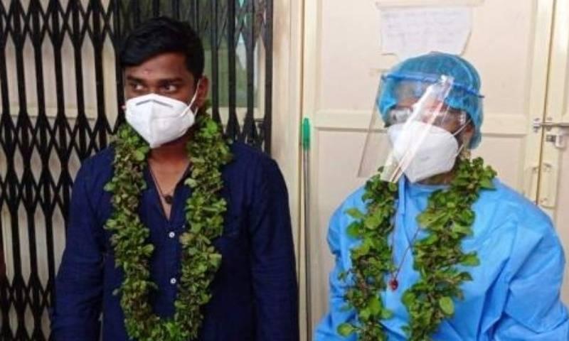 کورونا سے متاثرہ شخص کی ہسپتال میں شادی، دُلہن حفاظتی لباس میں ملبوس