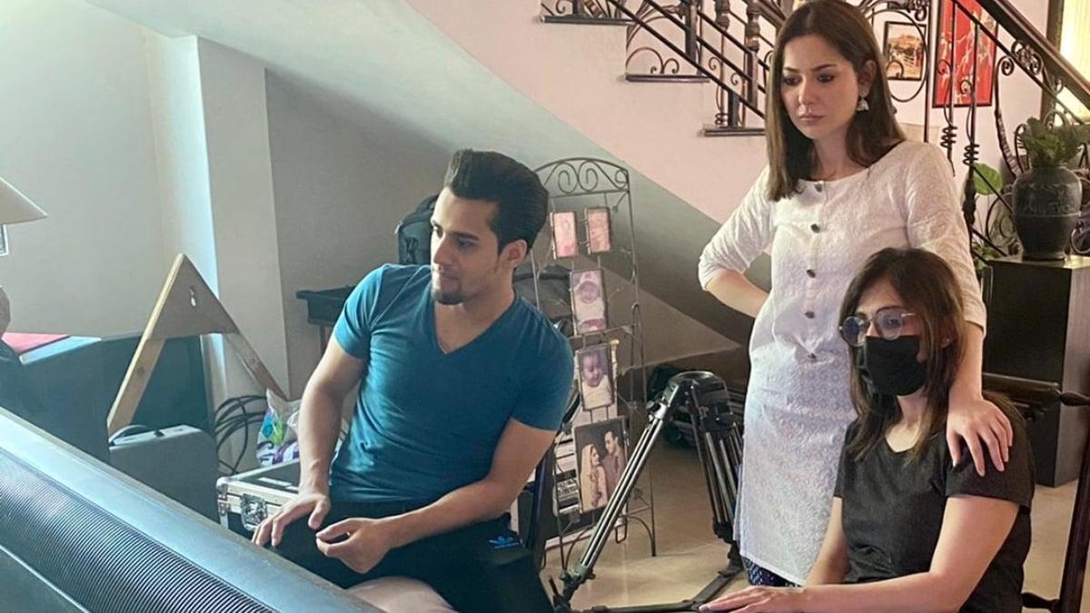 Hania Aamir and Momin Saqib to star in Eid telefilm Dil Ke Chor - Film & TV - Images