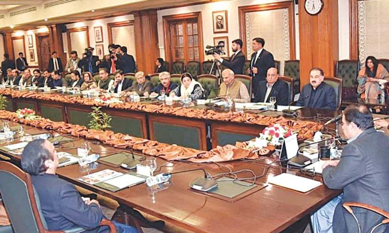 Most of the Punjab Cabinet members have proposed that the provincial government must go ahead to impose lockdown in the cities facing high coronavirus rate. —INP/File