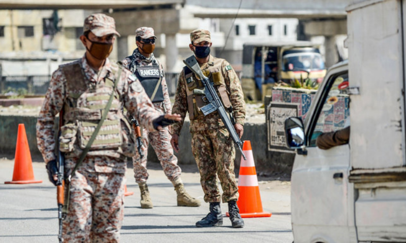Pakistan Army, Rangers and local police in collaboration with the district administration on Friday started an operation to ensure implementation of Covid-19 standard operating procedures (SOPs) in Rawalpindi. — AFP/File