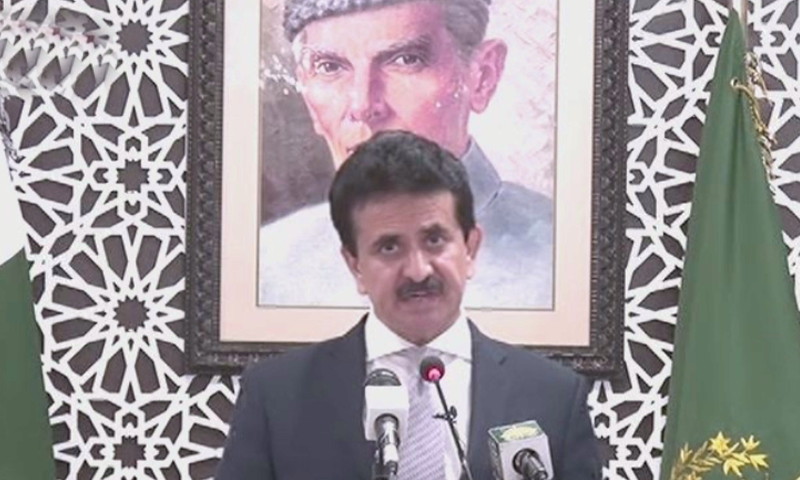 In this file photo, FO spokesman Zahid Hafeez Chaudhri speaks to the media during his weekly briefing. — DawnNewsTV/File