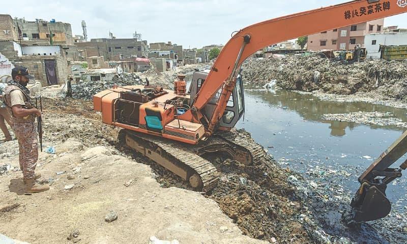 کراچی: انتظامیہ کو گجر، اورنگی نالوں پر قائم لیز مکانات مسمار کرنے سے روک دیا گیا