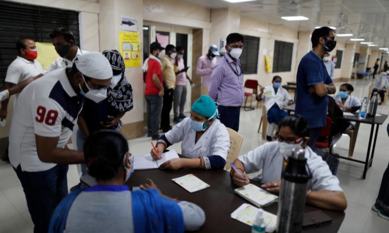بھارت میں پہلی مرتبہ کورونا سے 4  ہزار سے زائد اموات ریکارڈ