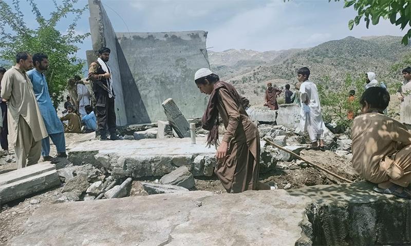 مقامی افراد نے اپنی مدد آپ کے تحت ٹینکی قائم کی تھی— فوٹو بشکریہ عارف حیات