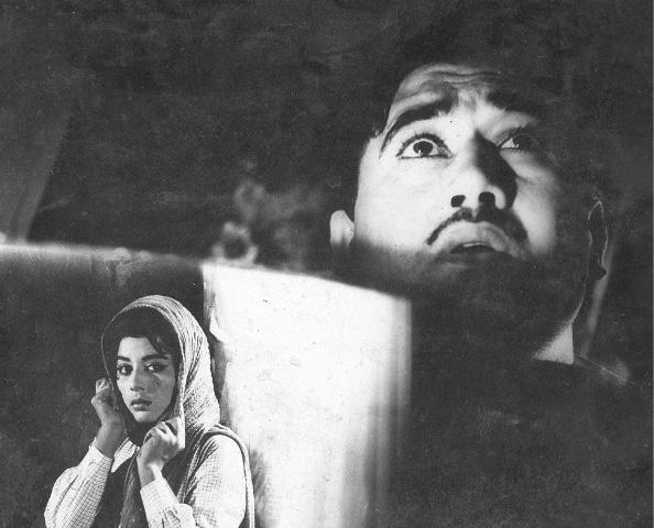 Ejaz Durrani and Neelo (Saeeda) in Badnaam -Photos: Guddu Film Archive