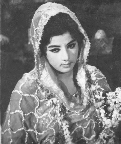 Neelo as Saeeda in Badnaam