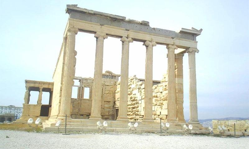 ایتھینا دیوی سے منسوب عمارت ایریکتھیون