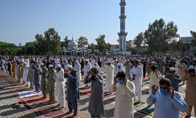 نماز عید کے اجتماعات کھلے مقامات پر ایس او پیز کے مطابق منعقد کرنے کی اجازت