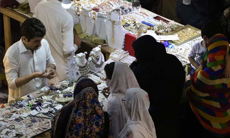 Prior to Ramazan, the markets in Karachi witnessed a huge rush of buyers from 1pm to 6pm, leading to massive traffic jams. — PPI/File