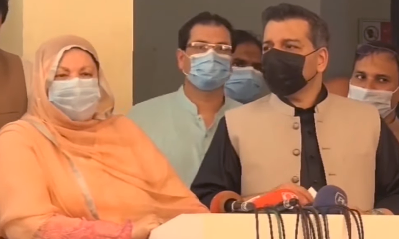 Punjab School Education Minister Murad Raas (R) and  Health Minister Dr Yasmin Rashid speak to reporters on Friday. — DawnNewsTV