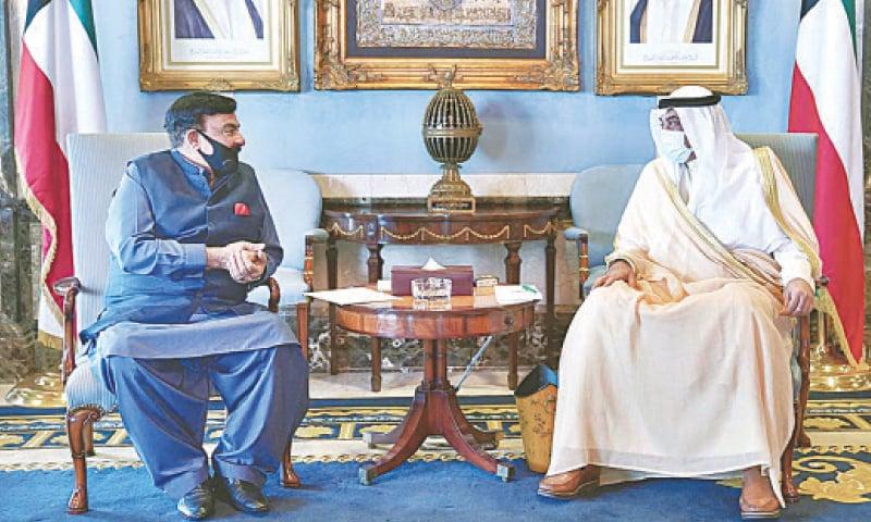 KUWAIT CITY: Interior Minister Sheikh Rashid Ahmed calls on Kuwait's Prime Minister Sheikh Sabah Al-Khalid Al-Sabah on Sunday.—APP
