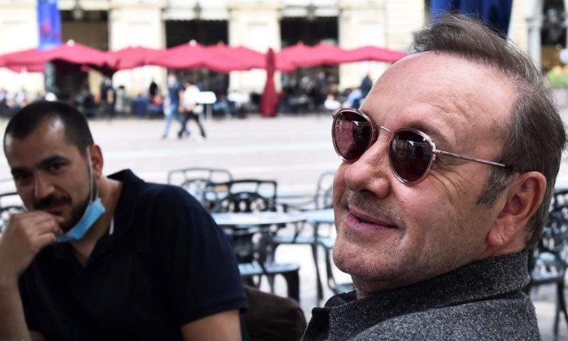 'ریپ' الزامات کے بعد غائب رہنے والے کیون اسپیسی کی فلمی دنیا میں واپسی