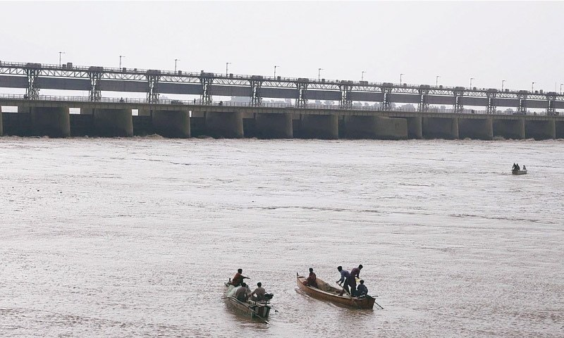 Professionals from Wapda have been inducted as independent federal representatives, who along with nominees of Sindh and Punjab will visit the barrages to assess discharges. — AFP/File
