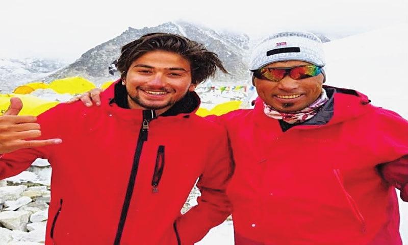 Sirbaz Khan (right) and Shehroze Kashif at base camp