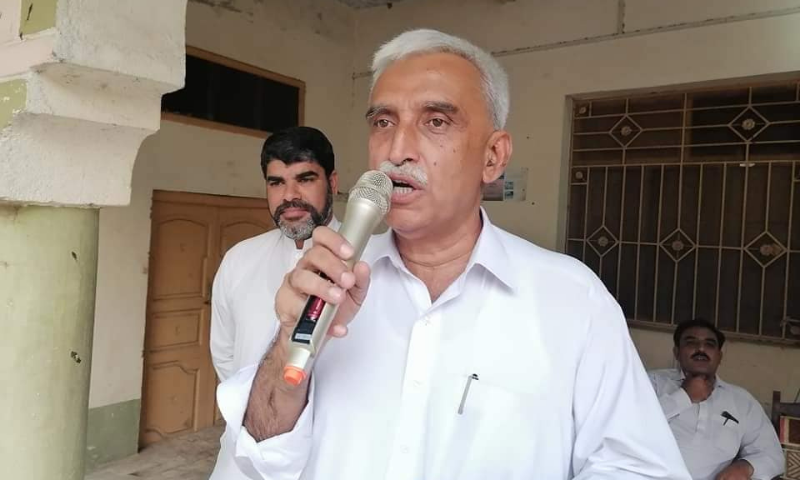 Adviser to the chief minister on industry Abdul Karim and accompanying policemen were attacked with bricks and stones by some youngsters on Friday. — Photo courtesy Facebook