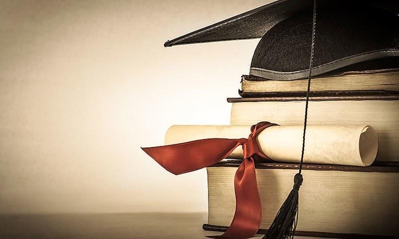 پاکستان کی 10 سرکاری اور نجی شعبے کی یونیورسٹیوں نے معمولی بہتری کے ساتھ کیو ایس ورلڈ یونیورسٹی رینکنگ 2022 میں اپنی پوزیشن کو برقرار رکھا ہے — فائل فوٹو: کریئٹو کامنز