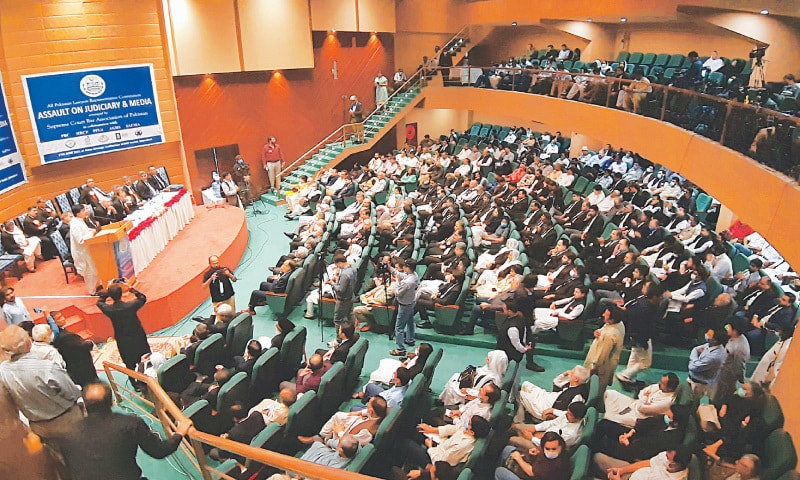 ISLAMABAD: Politicians, journalists, lawyers and human rights activists attend the All Pakistan Lawyers Convention on Assault on Judiciary and Media on Thursday.—Tanveer Shahzad / White Star